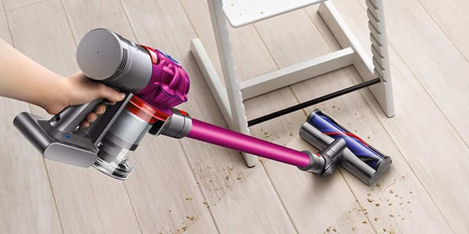 Dyson v8 ordless stick vacuum cleaner