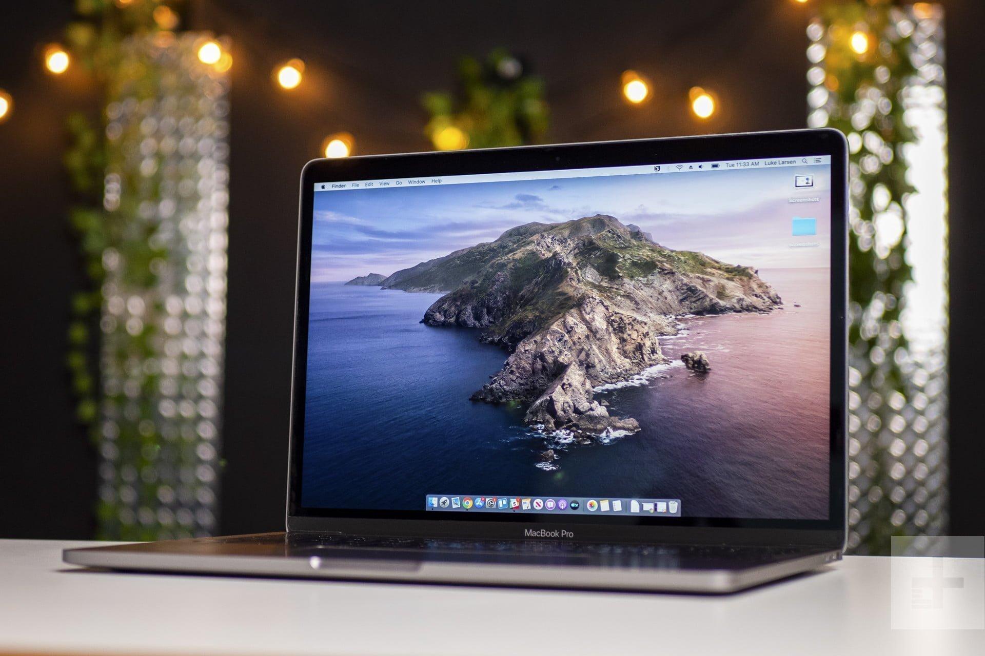 Black Friday Sale - Apple MacBook Pro Coffee Lake i5