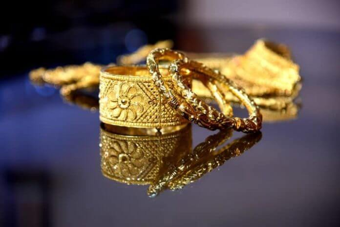 Shopping For Gold Jewelry 7 Things You Need to Know